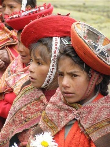 Schoolgirls, Qelquanqa, Peru